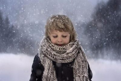 Мальчик на улице